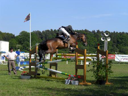 Springturnier Pferdeleistungsschau Wietzetze 2009 Turnier Mannschaftsspringen Hitzacker trabt voran PSV Hitzacker
