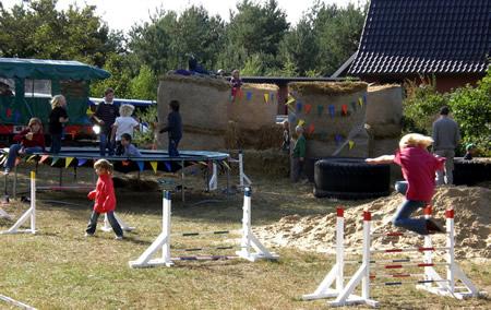 Kinder Reitertage Spielen Spielplatz